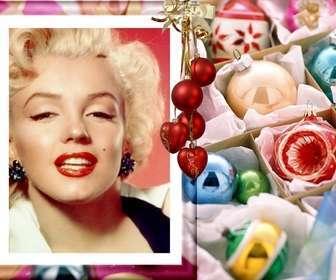 Ejemplo: Tus fotos en una postal estilo christmas. Inserta tu foto en este marco con adornos de navidad. Se ve un racimo de bolas rojas y corazones colgando de una cinta color oro.