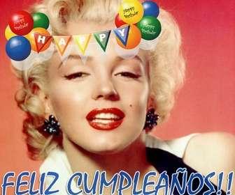 Ejemplo: Tarjeta de Feliz Cumpleaños para adornar una fotografía con una pancarta en la que las letras están impresas en color blanco sobre banderines con globos de coloresrojo, naranja, amarillo, verde y azul.