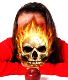 Fotomontaje de una calavera ardiendo para poner en tu foto.