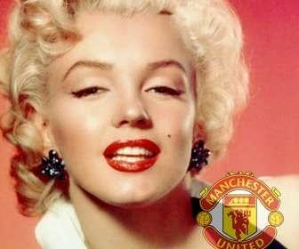 Fotomontaggio in cui si può mettere lo scudo del Manchester United nella foto.