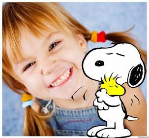Kinder mit Snoopy und Woodstock Freunden umrahmen Ihr Foto