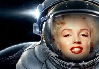 Put your face in a spacesuit floating in space - Photofunny