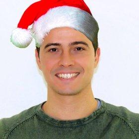 Fotomontage eine Weihnachtsmütze in Ihr Foto online zu stellen, ohne Design Wissen.