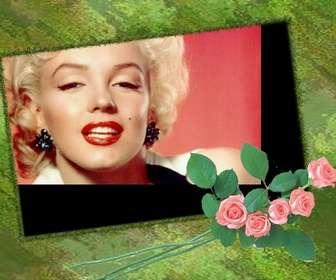 Marco para fotos personalizable con tu foto con fondo verde y adorno de rosas.