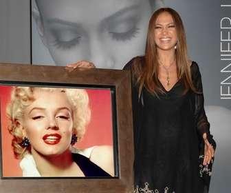 Ejemplo: Fotomontagem da Jennifer Lopez para tirar uma foto com ela.