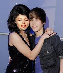 Ejemplo: Photomontage of Justin Bieber with a girl.