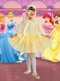 Ejemplo: Photo effect of small infant princess costume for girls.
