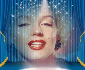 Fotomontaggio in cui dovrete apparire su un palco con luci e tenda blu.