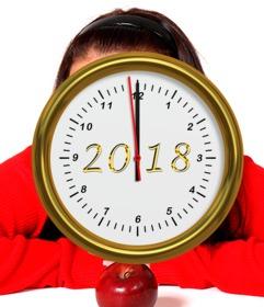 felicitar ano nuevo reloj senalando ano 2018