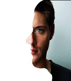 Montage avec la fusion entre le profil et la face de votre visage.