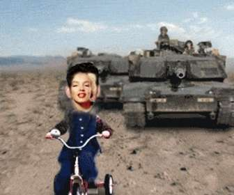Ejemplo: Customized animation Saddam Hussein chased by a tank