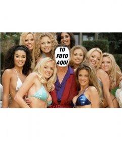 Fotomontaje en que tú serás Hugh, rodeado de chicas de play boy