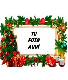 Un marco para fotos con adornos navideños