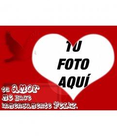 Marco para fotos en forma de corazón con fondo rojo y decoración de una paloma.