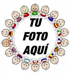 Marco para fotos con borde de fotos de niños de todas las nacionalidades con sus banderas.