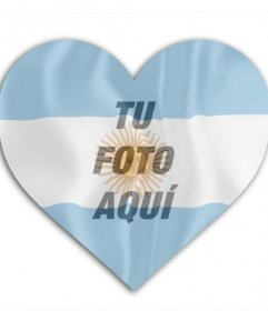 Añade tu imagen con la bandera de Argentina con forma de corazón de fondo