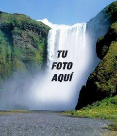 Fotomontaje con una cascada donde poner una fotografia online gratis