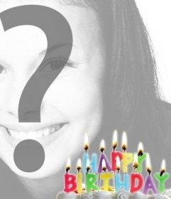 Postal de cumpleaños con velas iluminadas encima de una tarta en la que puedes poner la foto de quién cumple años de fondo.