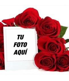 Marco para fotos online rodeado de un ramo de rosas
