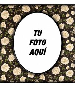 Marco de fotos ovalado vintage sobre pared negra con - Paredes con marcos de fotos ...