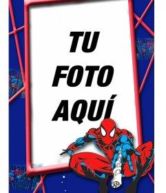 Marco de fotos infantil de Spiderman con rojos y azules en una telaraña