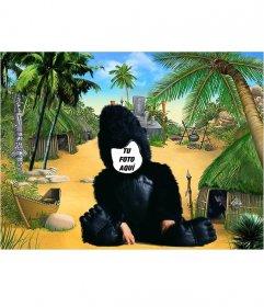 montaje fotográfico en que un niño disfrazado de gorila hace de ...