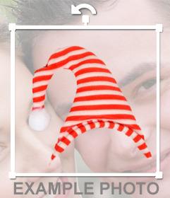 Gorro a rayas blancas y rojas para pegar con nuestro editor online