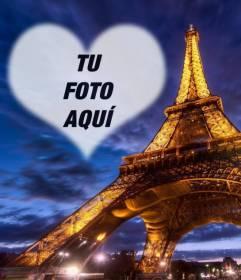 Fotomontaje en París con la Torre Eiffel iluminada y un marco en el cielo con forma de corazón semitransparente donde colocar tu foto