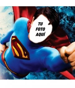 Fotomontaje para convertirte en Superman volando sobre la Tierra