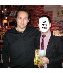 Crea un fotomontaje con Iker Jiménez añadiendo tu rostro en la la imagen