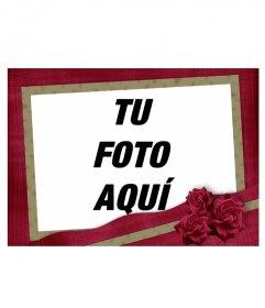 Elegante marco con rosas rojas con textura de telas en granate con borde ocre que rodea tu fotografía