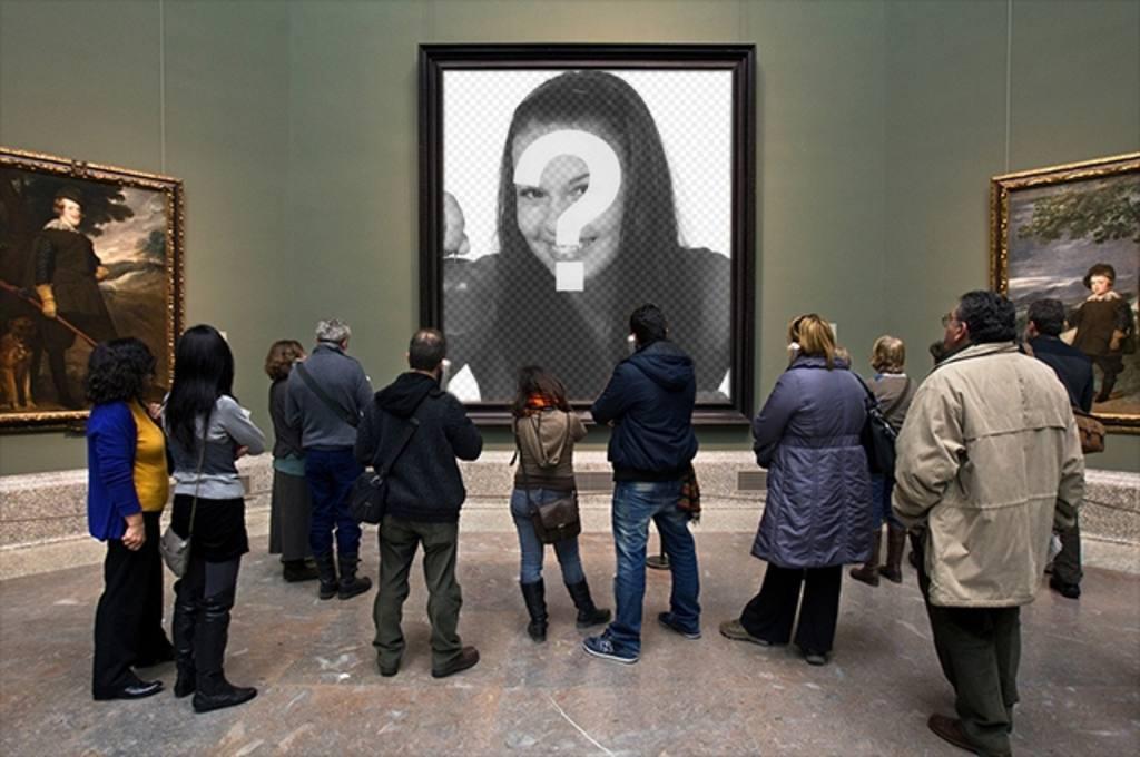 Fotomontaje en el Museo del Prado con visitantes observando una pintura donde poner una fotografía en el hueco