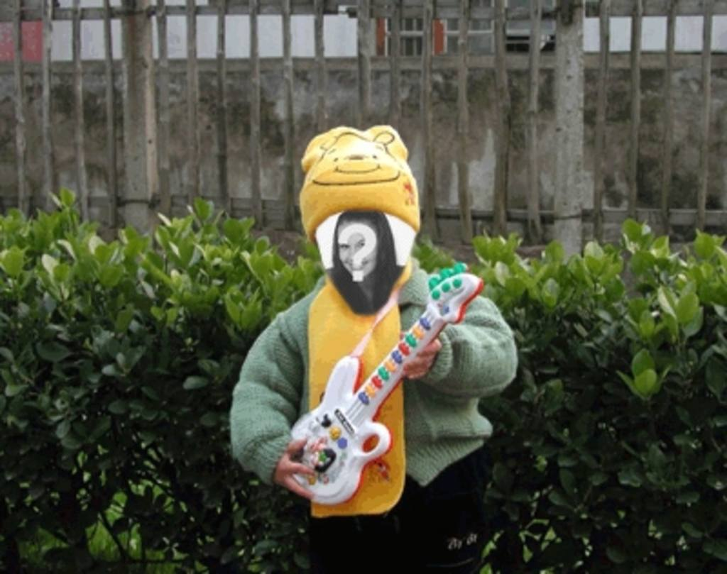 Divertida animación para hacer con tu foto de muñeco tocando la guitarra